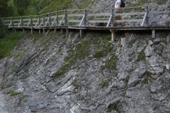 Steg entlang des Lechs bei Zug