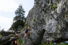 Kletterer im Naturklettergarten Schrofenwies